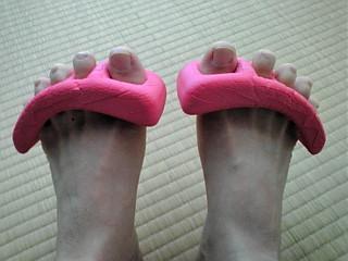 足の指を広げよう〜